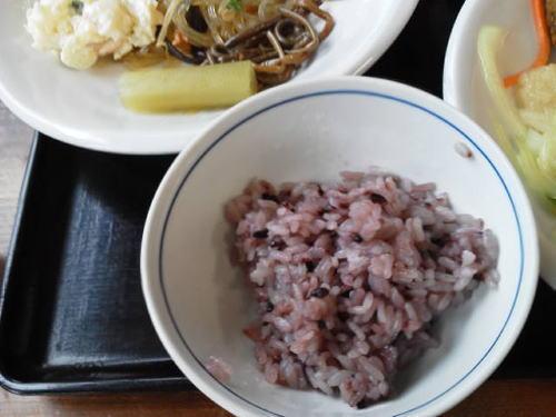 温泉亭名物紫黒米